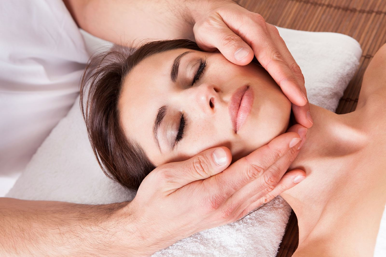 cancer and massage 2 cancer and cancer treatment cause physical and emotional distress symptom relief is a high priority in cancer care people turn to massage therapy for support companionship escape.